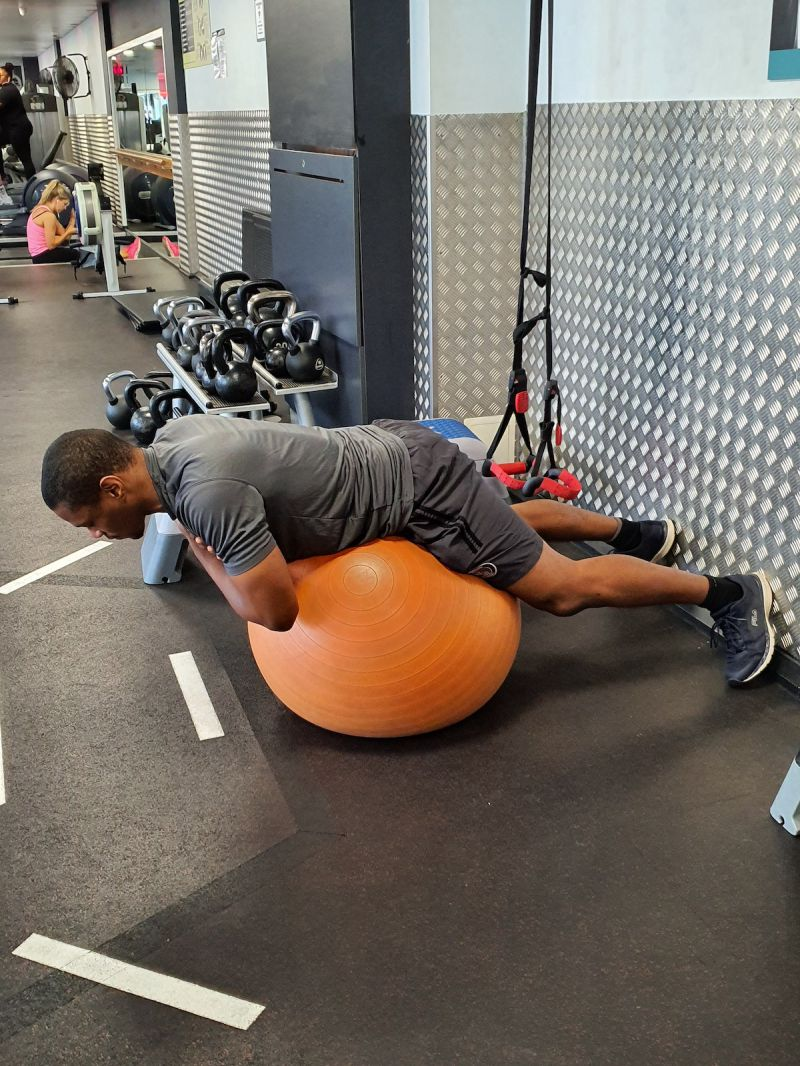 swiss-ball-exercises-for-back-stregnth